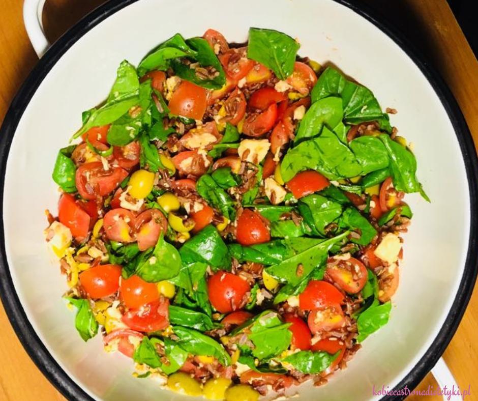 salatka-ryz-czerwony