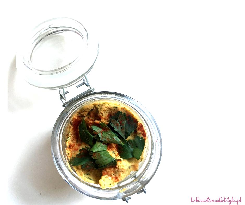 pietruszkowa-pasta-ciecierzyca